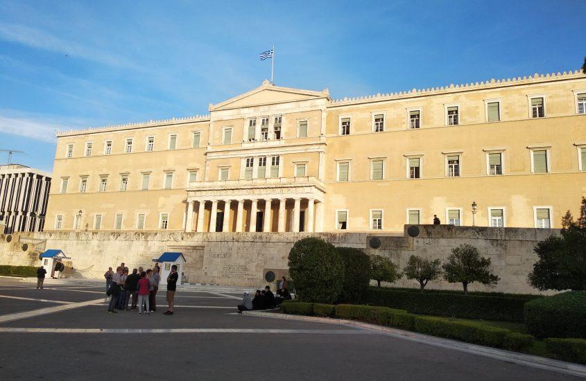 Ερώτηση 28 βουλευτών του ΣΥΡΙΖΑ για την επιστροφή του 25% των παρακρατούμενων πόρων και άλλα επείγοντα μέτρα για τους Ο.Τ.Α για την αντιμετώπιση των έκτακτων αναγκών της πανδημίας