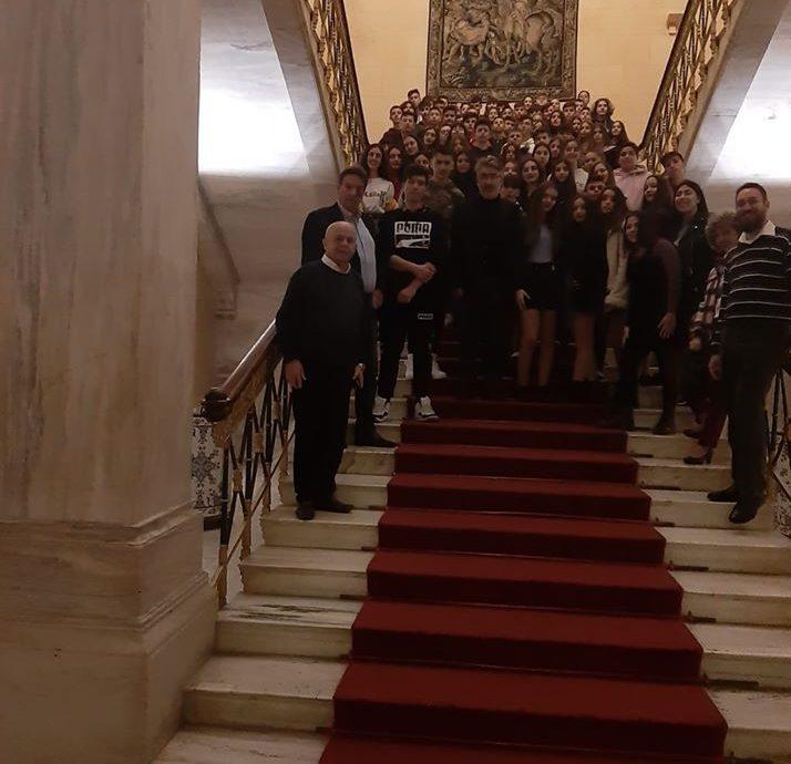 Με μαθήτριες και μαθητές της Δράμας στο Κοινοβούλιο κλείνει το 2019
