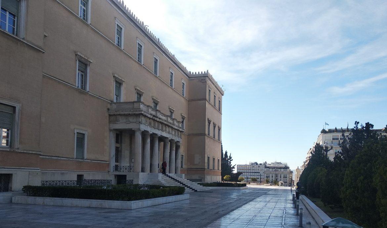 Το πλήρες κείμενο της υπό υπογραφή σύμβασης για την πώληση του 49% των μετοχών της ΔΕΔΔΗΕ Α.Ε., ζητούν 60 βουλευτές του ΣΥΡΙΖΑ-ΠΣ