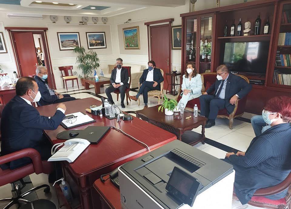 Συνάντηση των 3 βουλευτών Δράμας με τον πρόεδρο του ΠΙΣ στα γραφεία του Ιατρικού Συλλόγου-Ανάγκη βελτίωσης των εμβολιαστικών ρυθμών